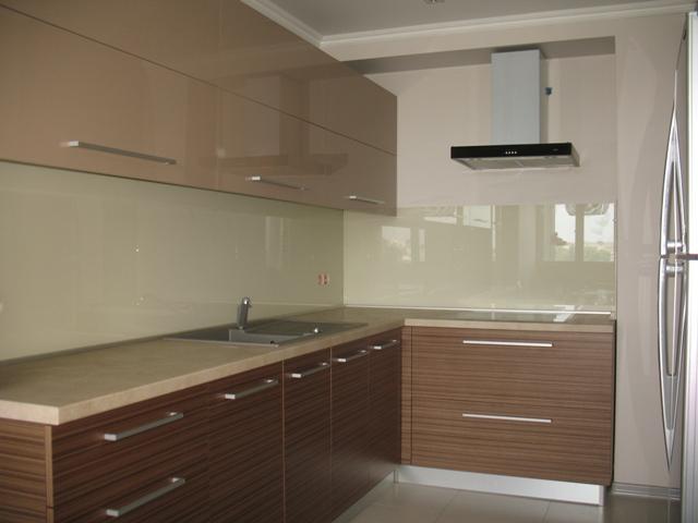 Кухонный фартук из стекла - фото 1