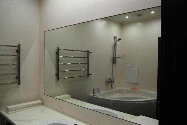 Зеркало в ванную на плитку