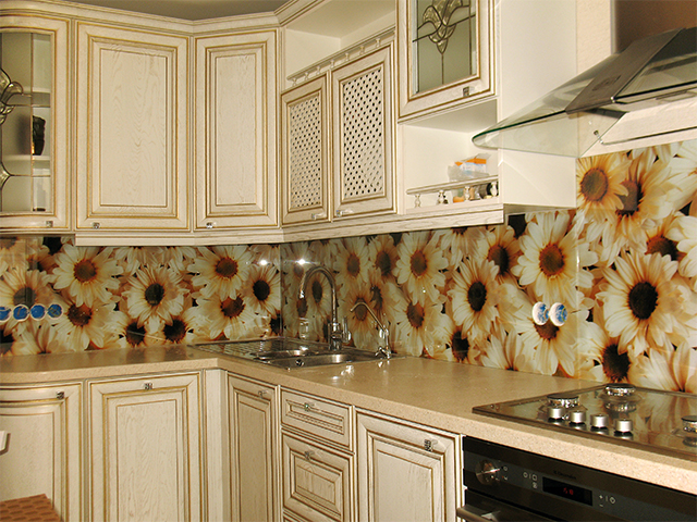 стеклянный фартук на кухне фото Киев