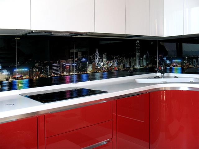 фартук из стекла на кухню фото