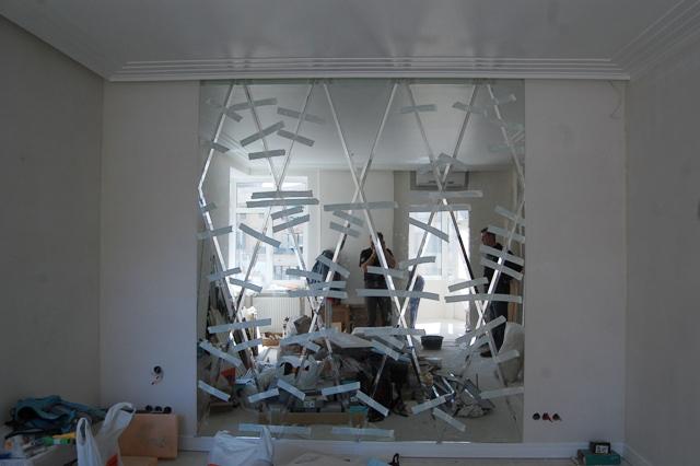 Смонтированное зеркальное панно