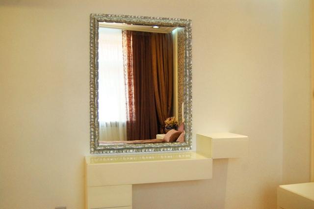 Зеркало для спальни